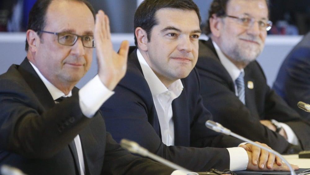 François Hollande, Alexis Tsipras y Mariano Rajoy, en la cumbre extraordinaria sobre Grecia