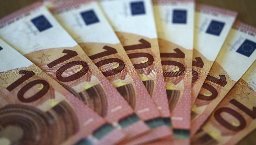 Francia prohíbe pagar en metálico más de 1.000 euros para combatir el fraude
