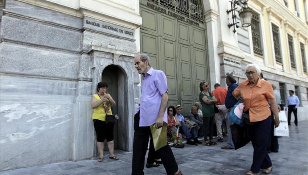 Grecia no abre sus bancos