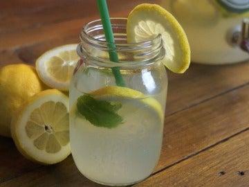 A la rica limonada, amiguitos.