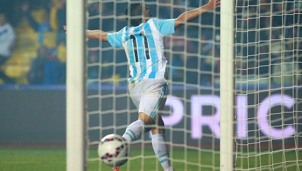 Argentina goleó a Paraguay