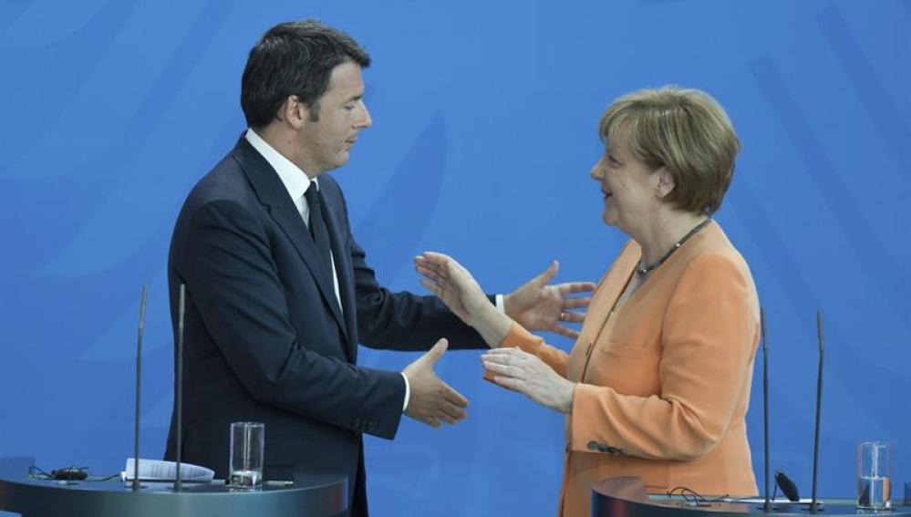 La canciller alemana Angela Merkel tras una rueda de prensa en Berlín