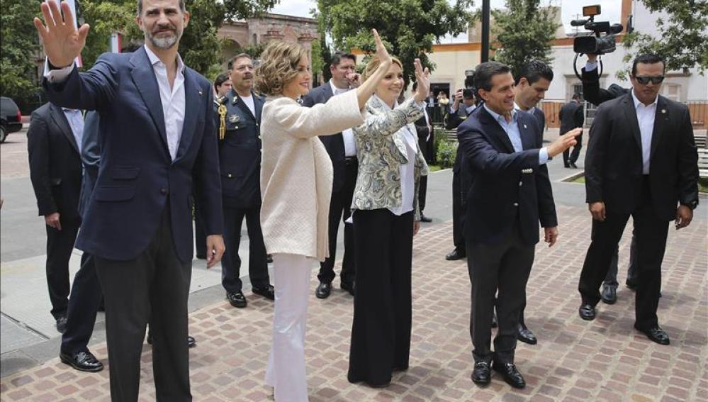 Los Reyes de España se despiden de su visita a México.