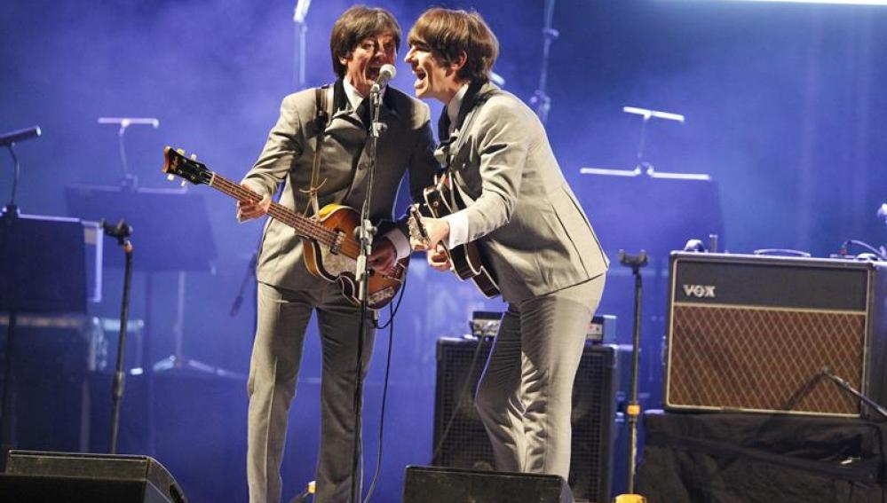 Integrantes de la 'Bootleg Beatles', banda tributo a 'Los Beatles'
