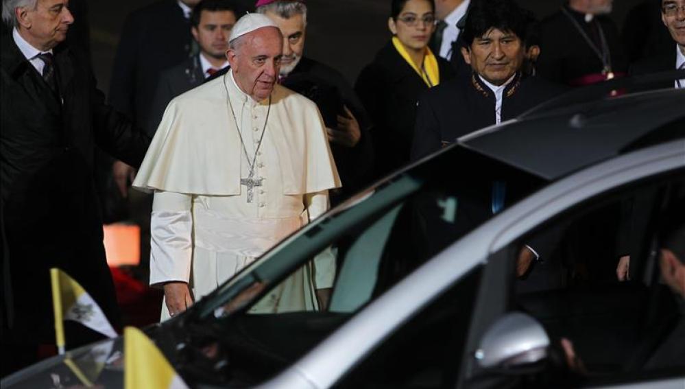 El Papa a su llegada a Bolivia