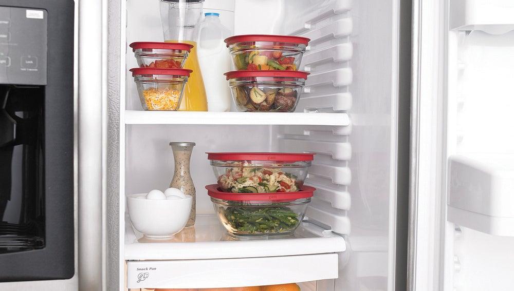 Ojo, la comida caliente al frigo NO.
