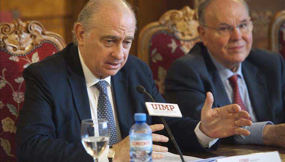 Jorge Fernández Díaz durante su intervención en la inauguración del curso