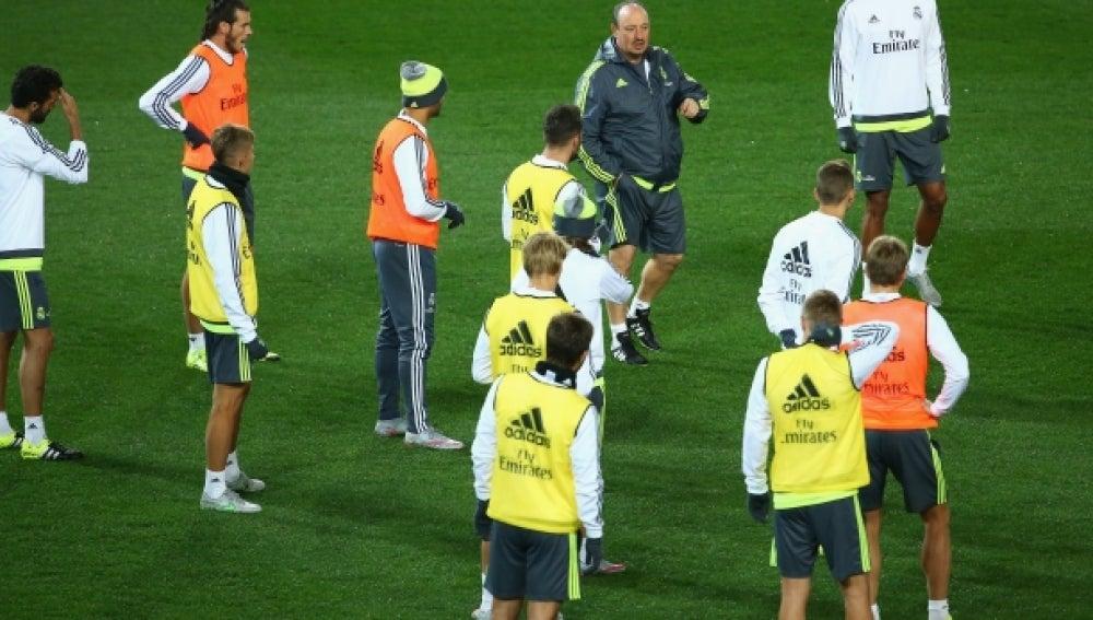 Benítez, en el entrenamiento con el Real Madrid