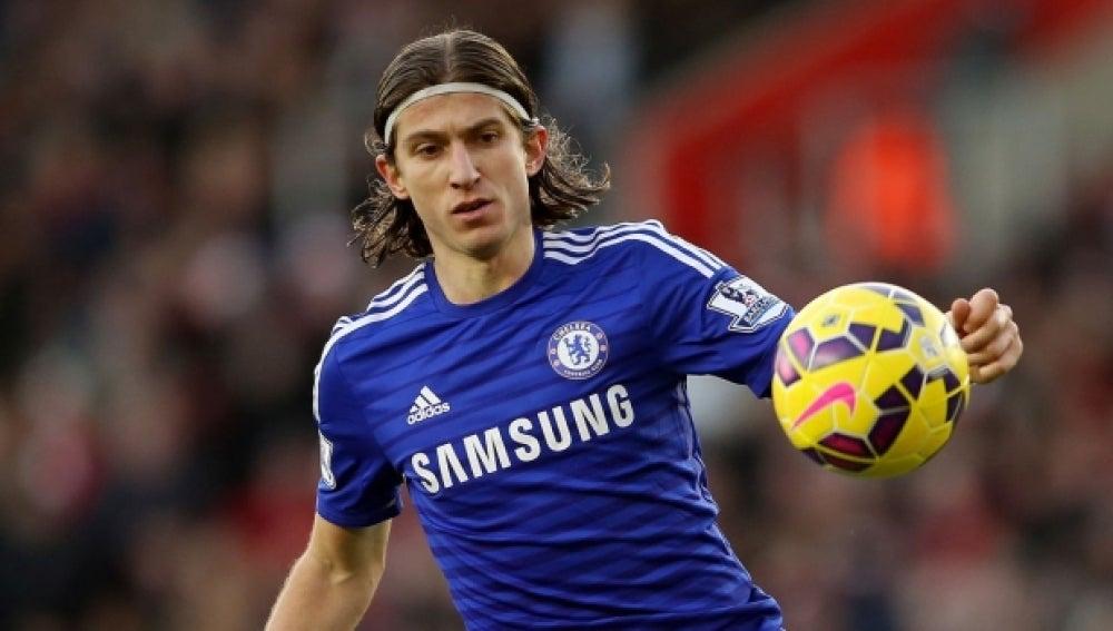 Filipe Luis, en un partido con el Chelsea