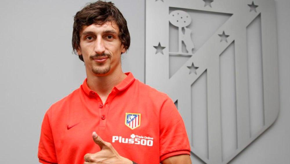 Savic, presentado con el Atlético de Madrid