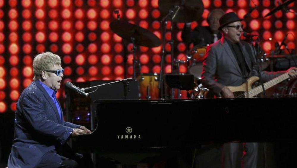 Elton John, durante su concierto en el Teatro Real de Madrid