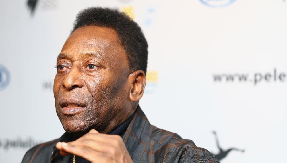 El futbolista Pelé durante un acto promocional