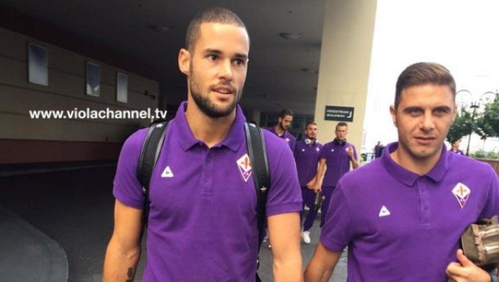 Mario Suárez con la camiseta de la Fiorentina