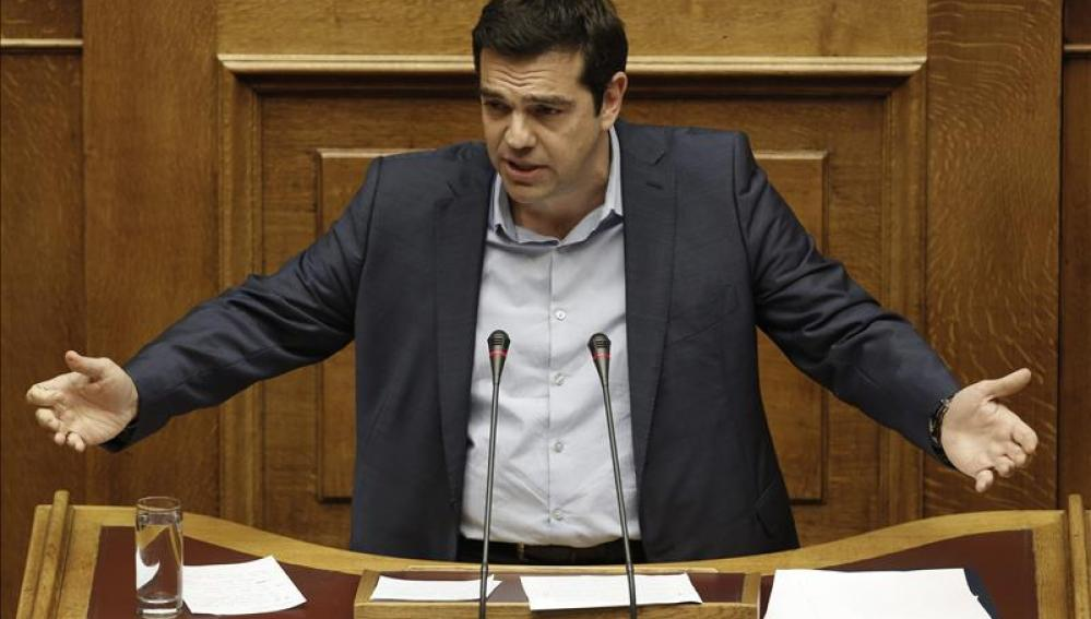 Alexis Tsipras, asiste a una sesión parlamentaria en Atenas