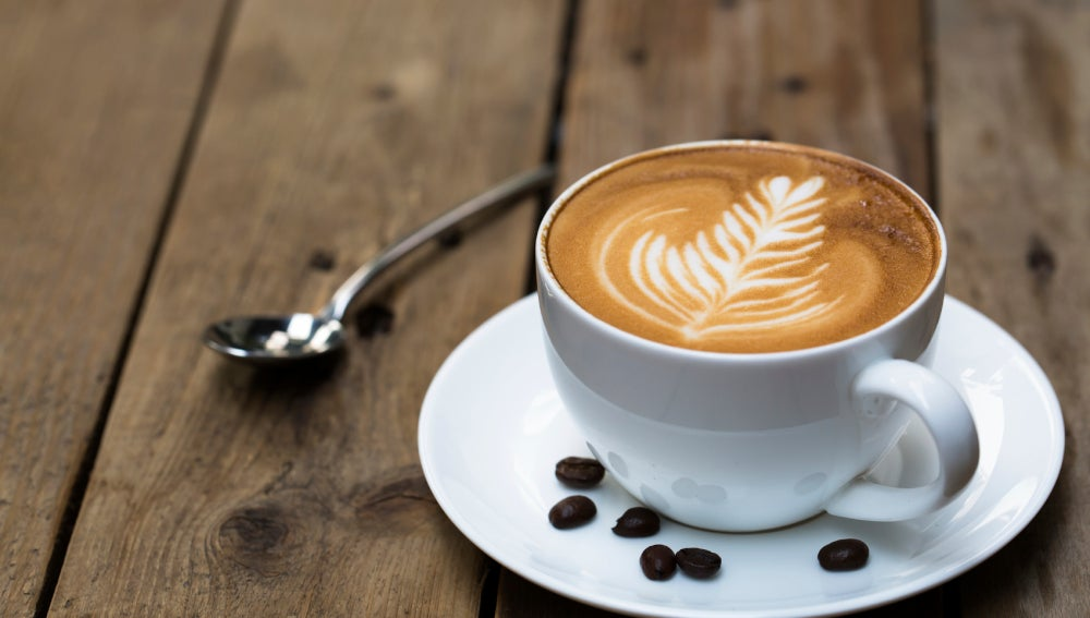 Cafetera de cápsulas vs. cafetera exprés, ¿cuál me compro?