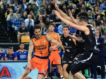 Pau Ribas con el Valencia Basket.