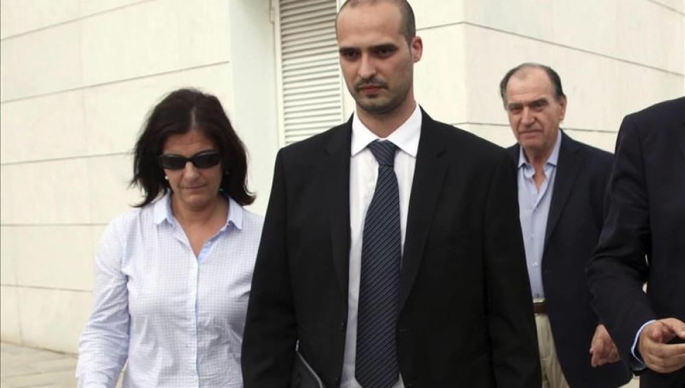El empresario Joaquim Sumarroca y su hija Susana, a su salida de los juzgados