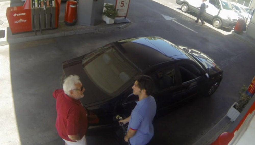Sainz, echando gasolina