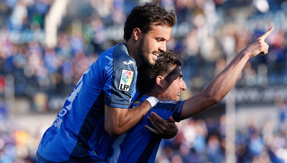 Pedro León celebra un gol con el Getafe