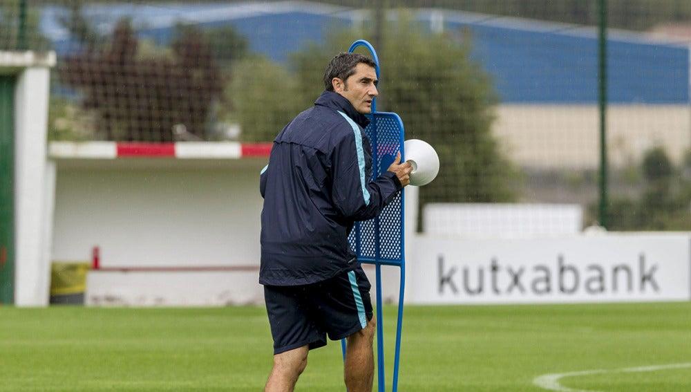 Ernesto Valverde, durante el entrenamiento del Athletic