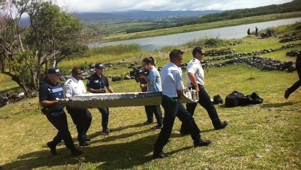 Restos del avión hallados en la isla Reunión