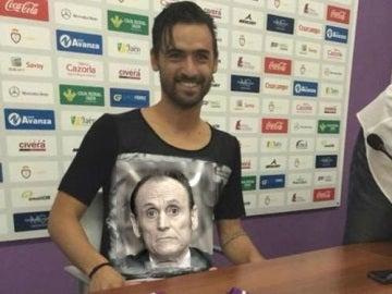 Uno de los memes de la camiseta de Nuno Silva