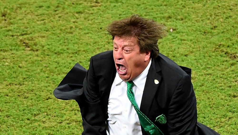 Miguel Herrera celebra la victoria de México en la Copa Oro