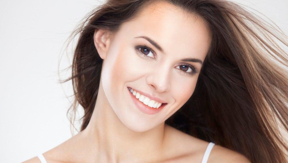 ¿Qué comer para mantener el cabello fuerte, suave y con brillo?