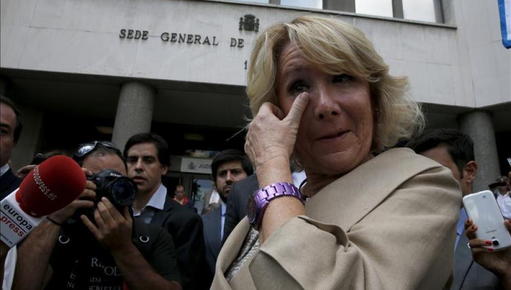 Esperanza Aguirre a la salida de los juzgados de Plaza Castilla