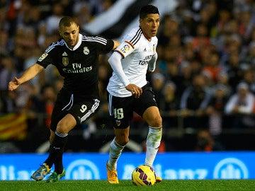 Enzo Pérez, durante un partido contra el Real Madrid