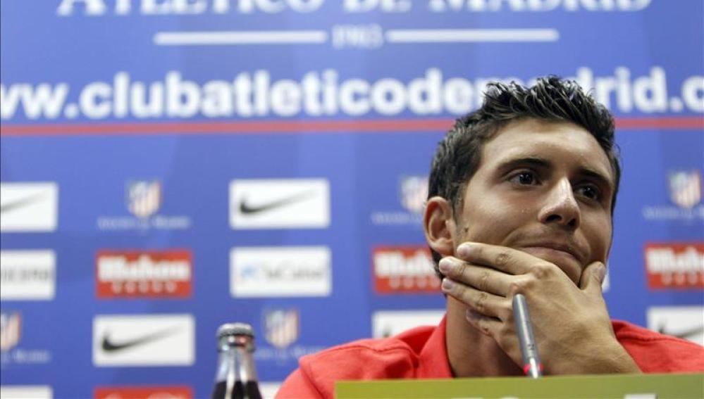 Borja Bastón en una rueda de prensa con el Atlético