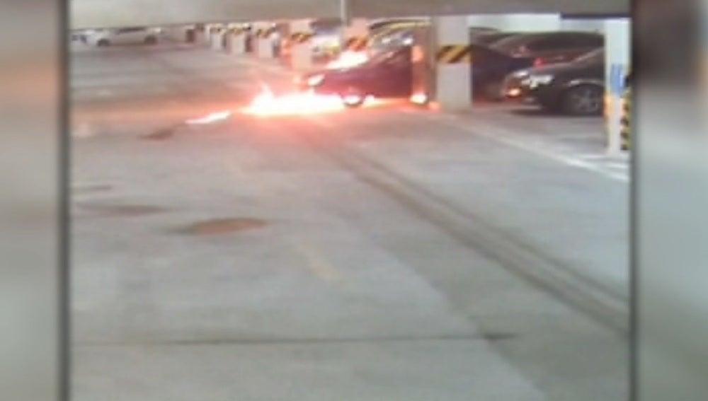 Arde un coche en China por el calor