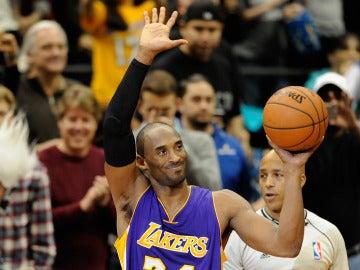 Kobe Bryant, el día que superó a Michael Jordan en la lista de máximos anotadores históricos