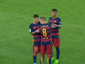 Andrés Iniesta coge el testigo de la capitanía del FC Barcelona