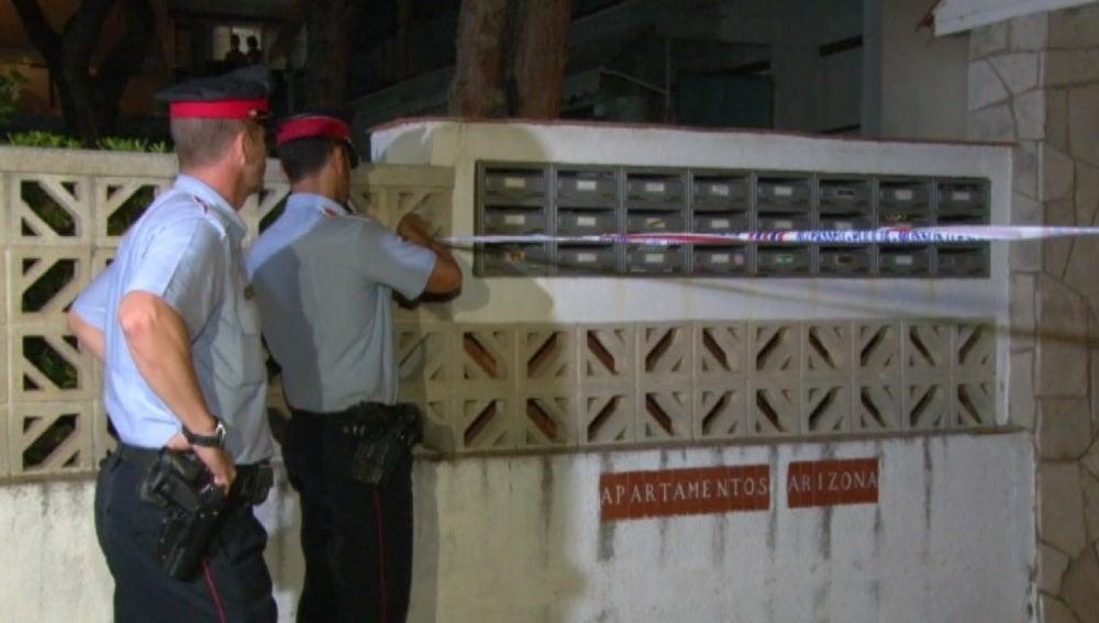 Un hombre mata a su mujer y sus dos hijos y luego se suicida en Castelldefels