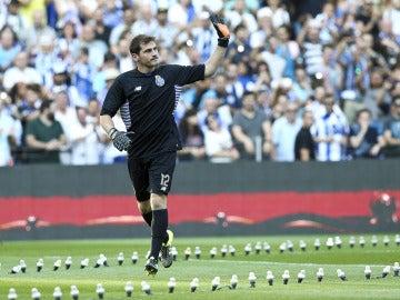 Iker Casillas, durante su presentación con el Oporto