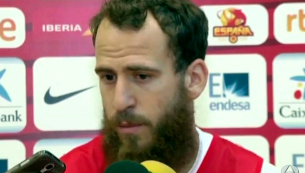 Sergio Rodríguez, hablando con los medios