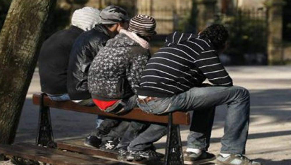 Jóvenes españoles en un parque