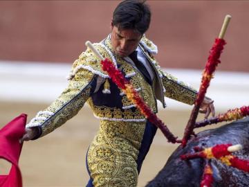 Rivera Ordóñez, herido por su segundo toro en Huesca