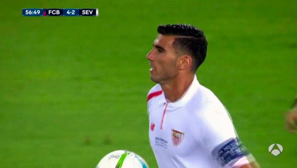 Reyes vuelve al centro del campo tras meter su gol