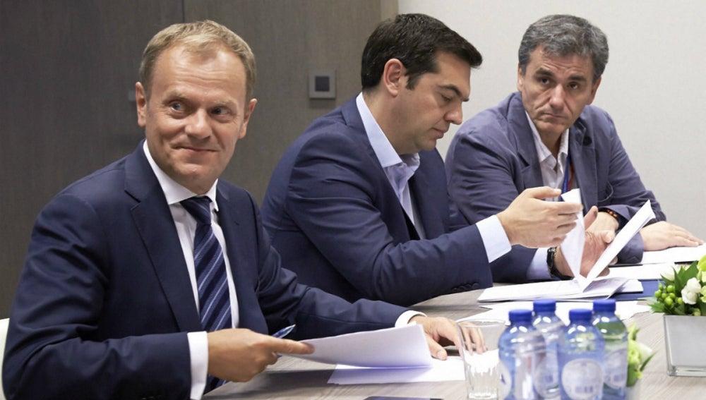 Tsipras, Tsakalotos y Tusk