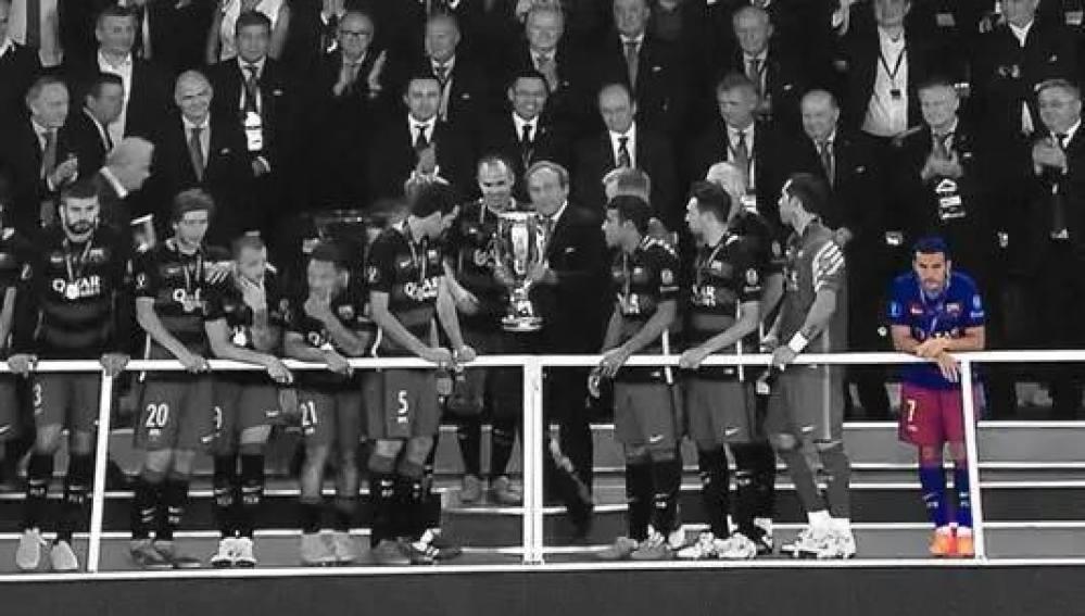 La soledad de Pedro en la celebración del Barça