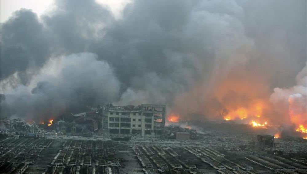 Vista tras las explosiones en Tianjin (China)