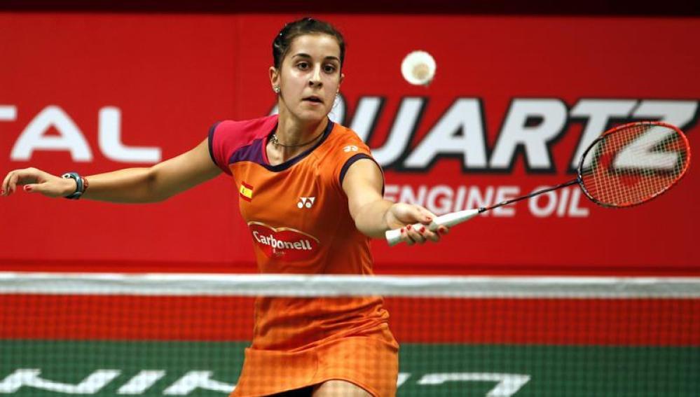 Carolina Marín devuelve la pluma a su rival