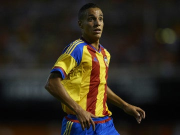Rodrigo, atacante del Valencia