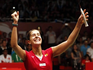 Carolina Marín celebra su Mundial