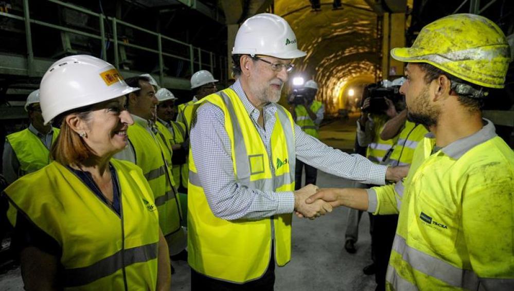 Mariano Rajoy, junto a la ministra Ana Pastor, visita las obras
