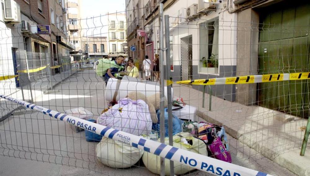 Inquilinos del edificio que se derrumbó en el barrio madrileño de Tetuán