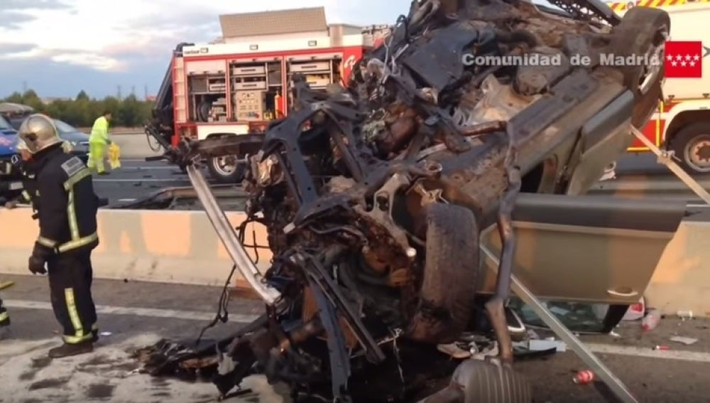 Un muerto y 4 heridos al circular un coche en sentido contrario en Madrid