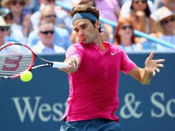 El tenista suizo Roger Federer en acción